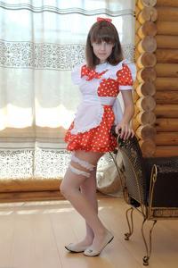 http://img227.imagevenue.com/loc121/th_104981642_tduid300163_Silver_Sandrinya_maid_1_033_122_121lo.JPG