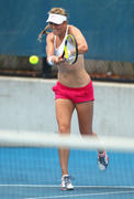 http://img227.imagevenue.com/loc29/th_09476_kaneda_VictoriaAzarenka_Practise_Session_at_the_Medibank_International_4_123_29lo.jpg