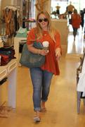 http://img227.imagevenue.com/loc451/th_099758963_Hilary_Duff_Out_Shopping_in_Beverly_Hills23_122_451lo.jpg