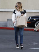 http://img227.imagevenue.com/loc468/th_834275787_Hilary_Duff_shops_at_Ralph_s_in_Beverly_Hills4_122_468lo.jpg