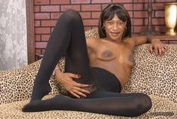 [Image: th_145688123_tduid2978_Pantyhose_Ebony_0..._475lo.jpg]