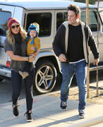 http://img227.imagevenue.com/loc514/th_289201476_Hilary_Duff_Western_Bagel_Studio_City10_122_514lo.jpg